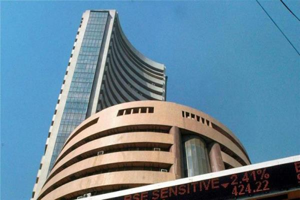 sensex recovers more than 200 points on early trading on the first day