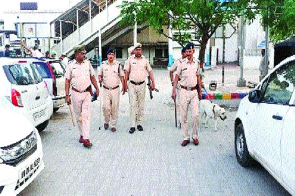 district police and border security force flag marches