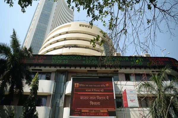 sensex nifty rise in early trade