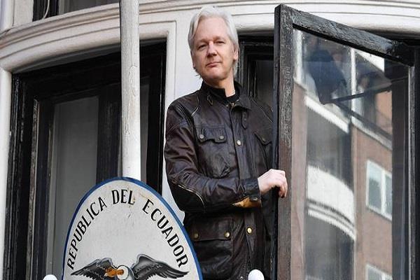 40 million cyber attacks on ecuador after assange arrest