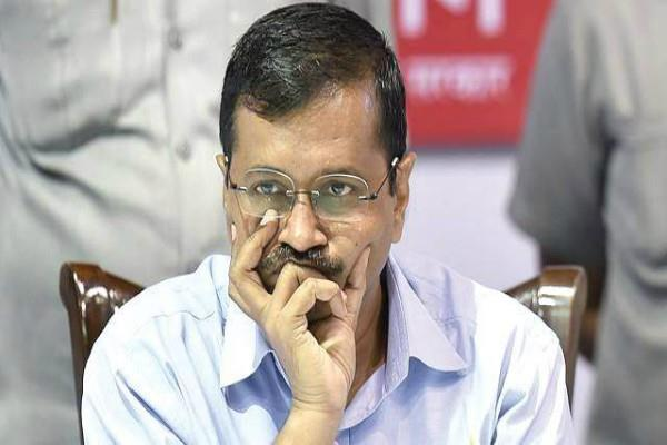 a man say to kejriwal lotus in the country