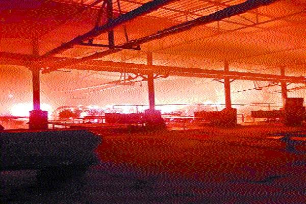 fire in short circuits in plywood factory