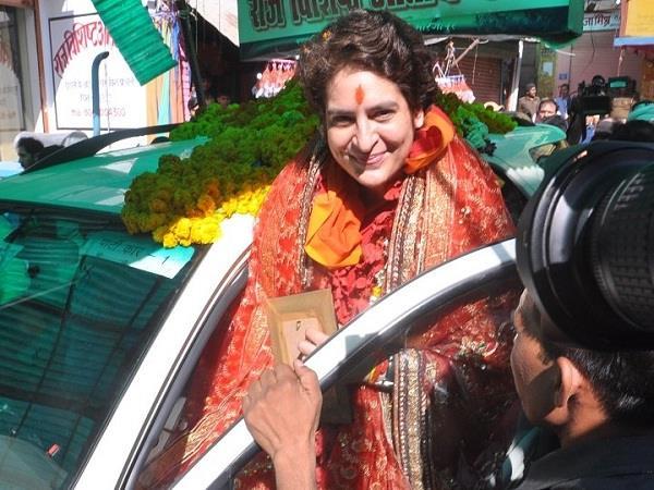 complain against priyanka vadra in varanasi