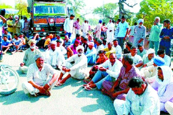 angry farmers made bhuna jakhal route