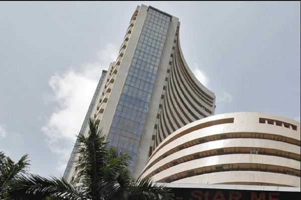 sensex up 58 points in early trade