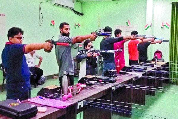the government can hang on the only shooting range in the absence of coach