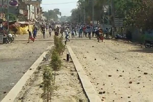 stone pelting in karnal on haryana police