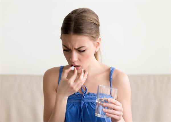Periods रोकने के लिए खाती हैं दवा तो जाए सावधान, होंगे 8 बड़े नुकसान