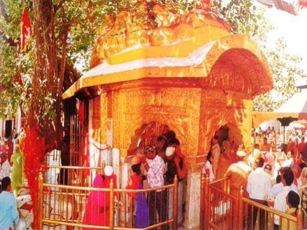 durga ashtami in the chintpurni