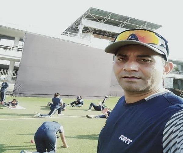 chetan thakur of mandi india blue team chief coach