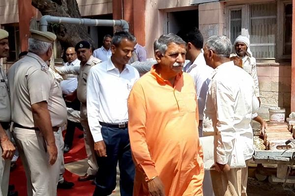 after filing nomination dharabir said bjp unilateral victory