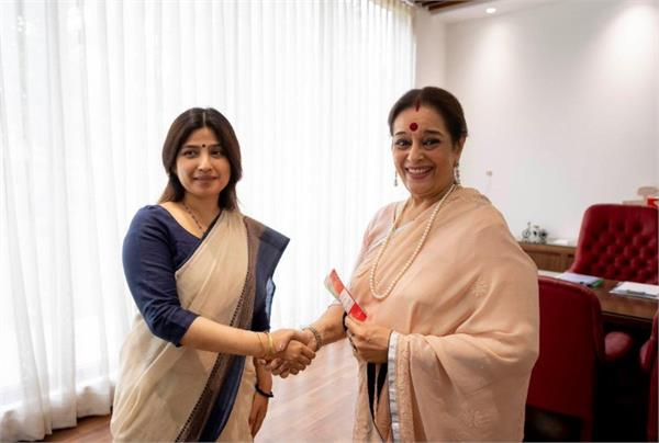 shatrughan sinha s wife joined sp