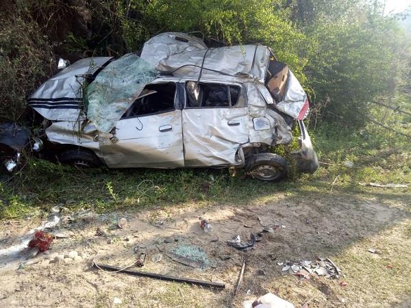 painful incident a car ditch in the deep