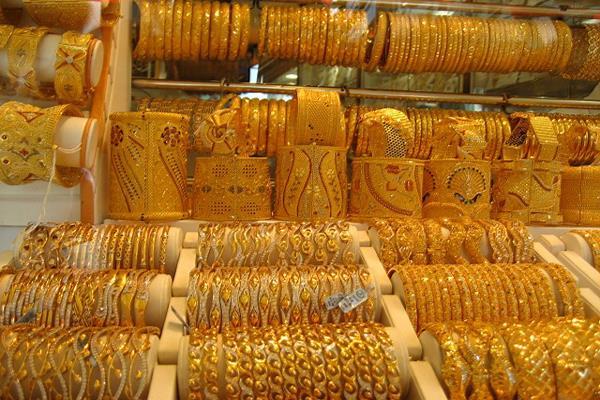 gold silver fall on sluggish demand