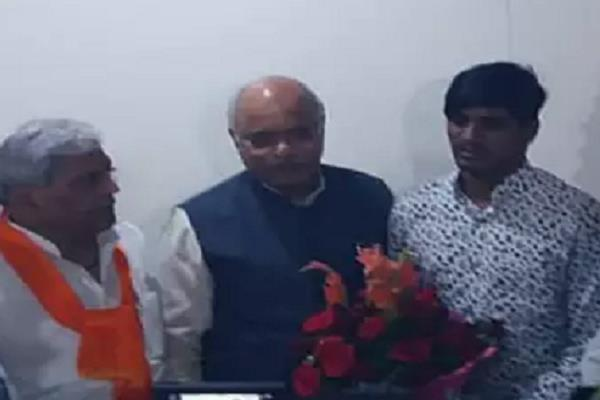 digvijay has given a shock to the youth the bjp has honored him