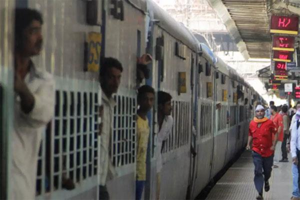 1 71 lakh cases registered in ten years by railway passengers