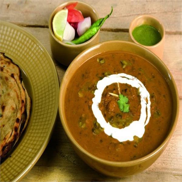 Vaisakhi Spl: घर पर बनाएं रेस्टोरेंट जैसी दाल मखनी