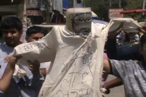 brahaman society protest against cm khattar