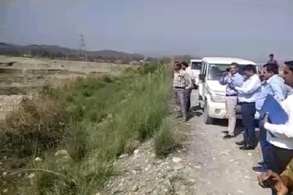 tough action against illegal mining team of departments on tajwala lal cap ghat