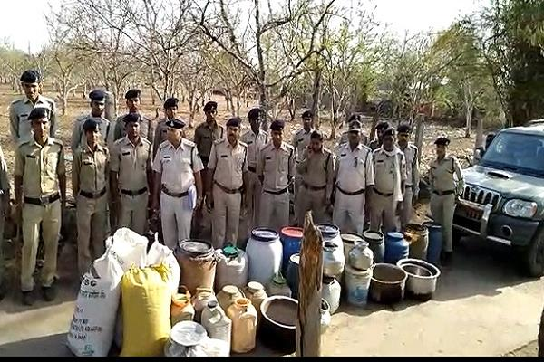 mp seized rs 2 5 lakh including liquor of 60 thousand liquor