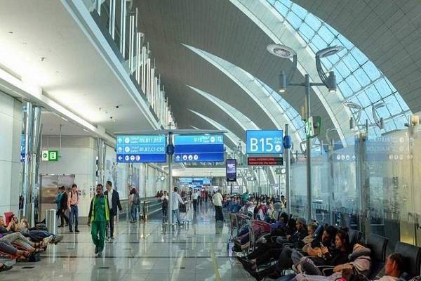 indian woman gives birth to baby at dubai airport