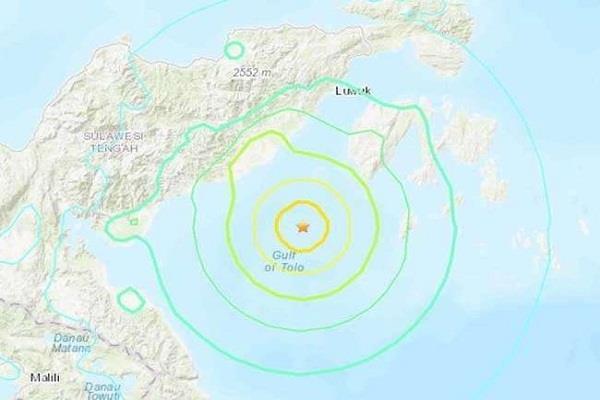 6 8 earthquake tsunami warnings in indonesia