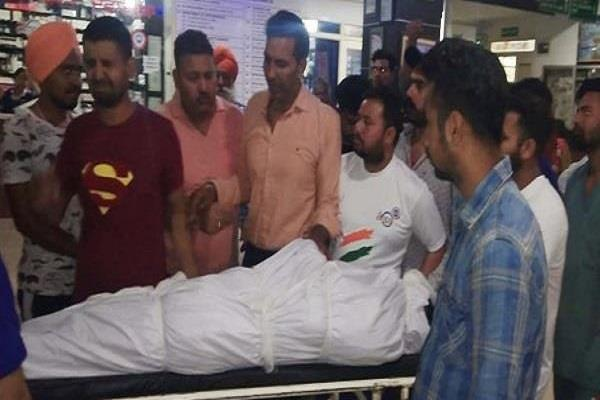 shiv sena district deputy chief shot dead in gurdaspur