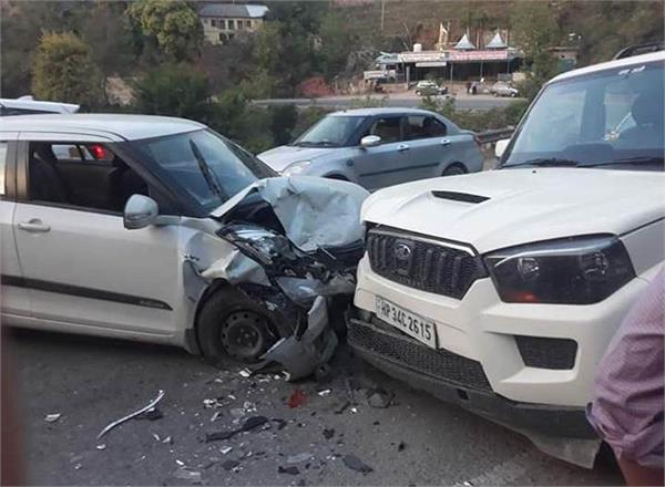 sundernagar road accident one death 4 injured