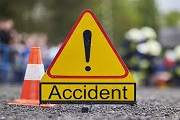 mandi road accidents 9 wounded