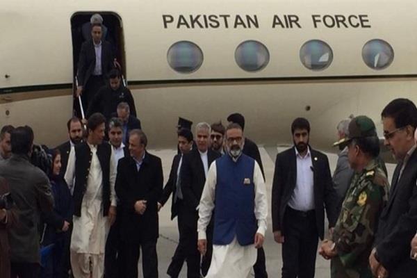 pakistani prime minister imran khan arrives in iran