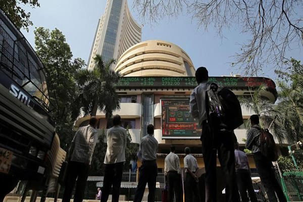 sensex up 481 points in early trade