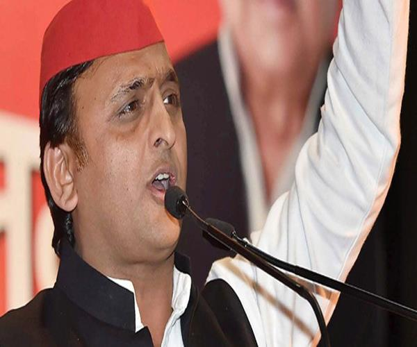 world is saying that the bjp is in danger of democracy akhilesh