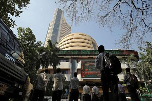 sbi stock up 2 in sensex and nifty at flat levels