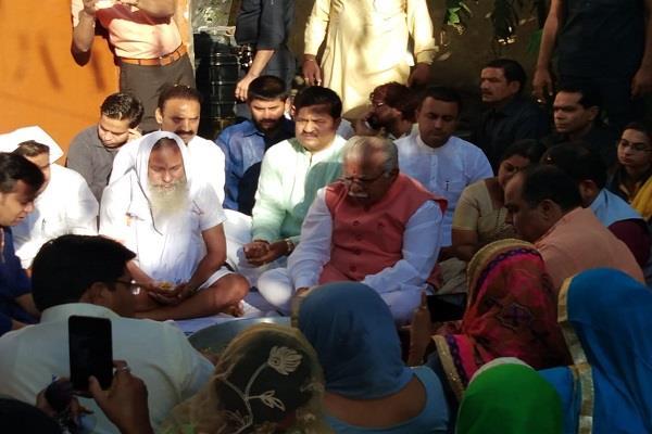 cm khattar celebrated his 65th birthday in valmiki temple