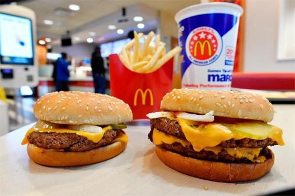 bad news for burger s amateurs mcdonald s 165 outlets closed in india