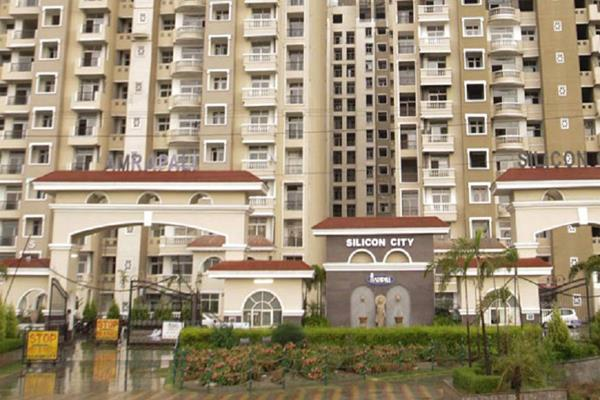 cmp of amrapali directors bought jewelery cars and house from buyers  money