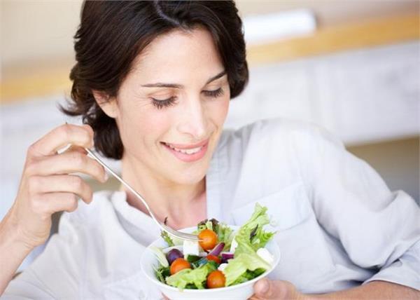 Women Health: मेनोपॉज के बाद औरतों को डाइट में जरूर खानी चाहिए यह 1 चीज