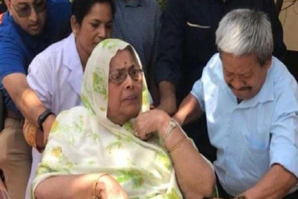 former leader of opposition ajay singh s mother dies in delhi