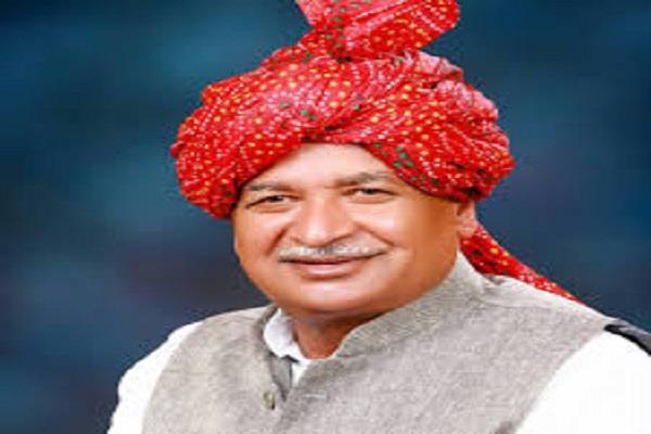 congress rob the country for 50 years saini