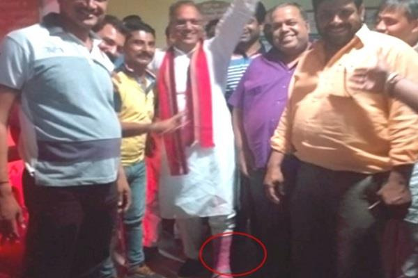 bjp mla injured during election campaign ankle fracture