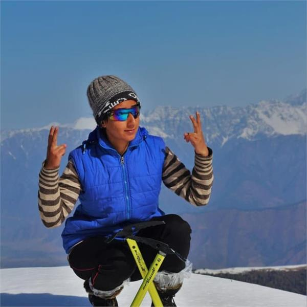 kashmiri girl nahida won mt evrest