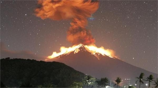 volcano activated on bali bali indonesia canceled many flights