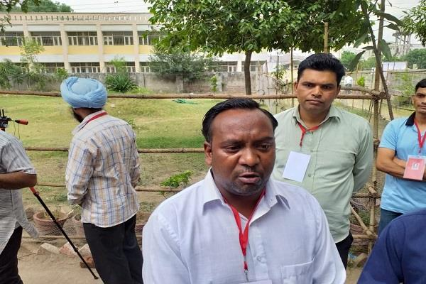 this candidate of jalandhar cried when low voting