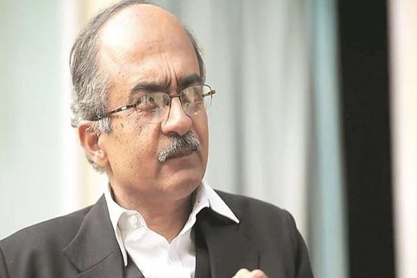 prashant bhushan give notice to government about bt brinjal