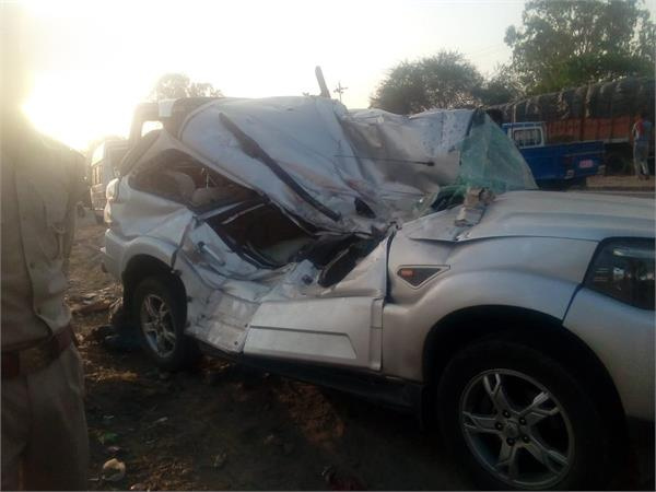 stf jawans collided with car truck in unnao death of soldier