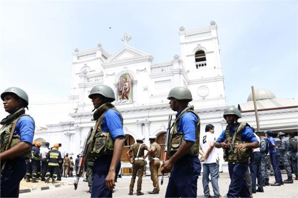 sri lanka bans 41 suspected militant s bank accounts