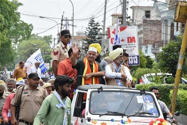 manish sisodia campaigns for party candidate justice zora singh
