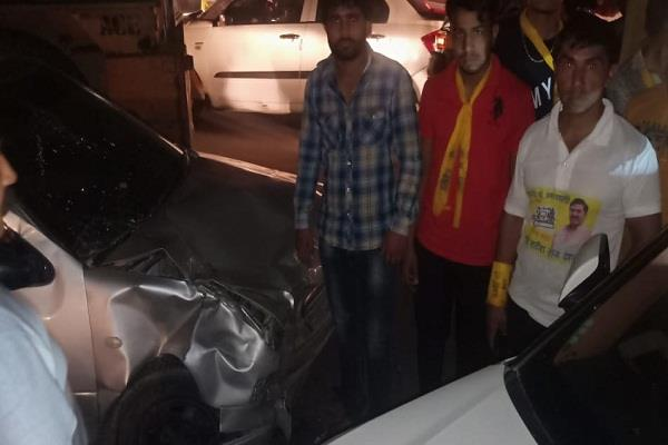 independent candidate satish raj vehicle collided with unknown vehicle