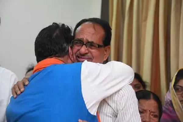 kailash vijayvargiye who came to console him
