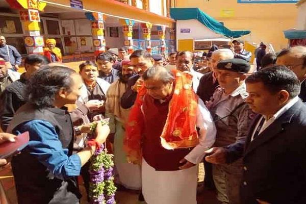 mukesh ambani visit to badrinath